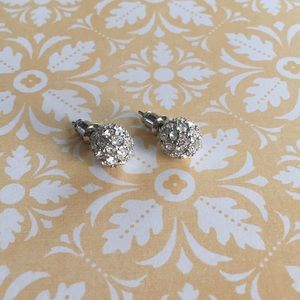🌸3for$15 NWOT Silver Rhinestone Ball Earrings